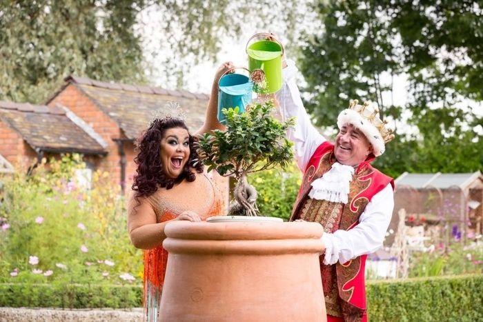 Lisa Riley (Fairy) and Brendan Sheerin (King)