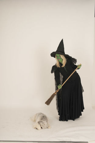 Laura Handley (Wicked Witch of the West) and Pudsey (Toto)